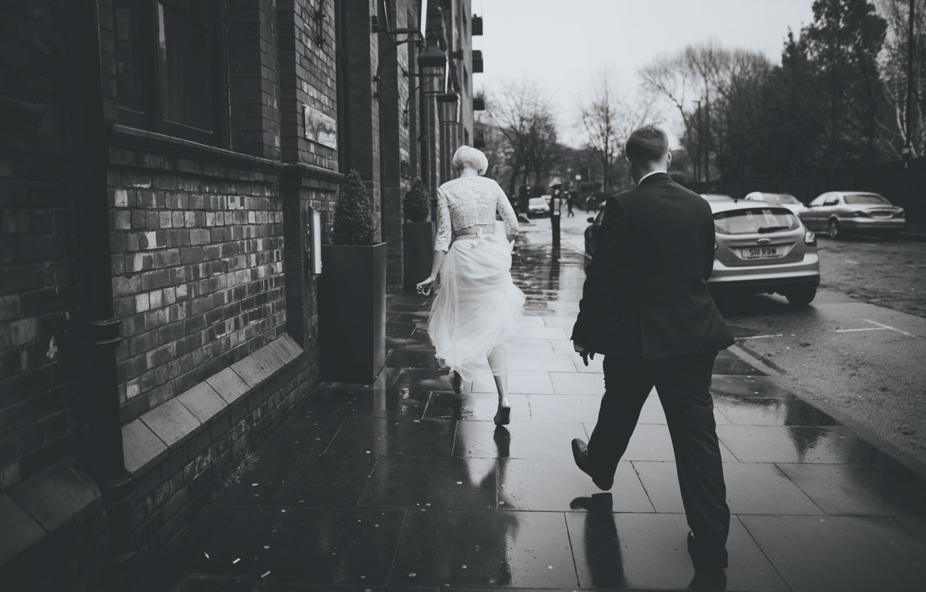 artistic black and white manchester wedding pictures
